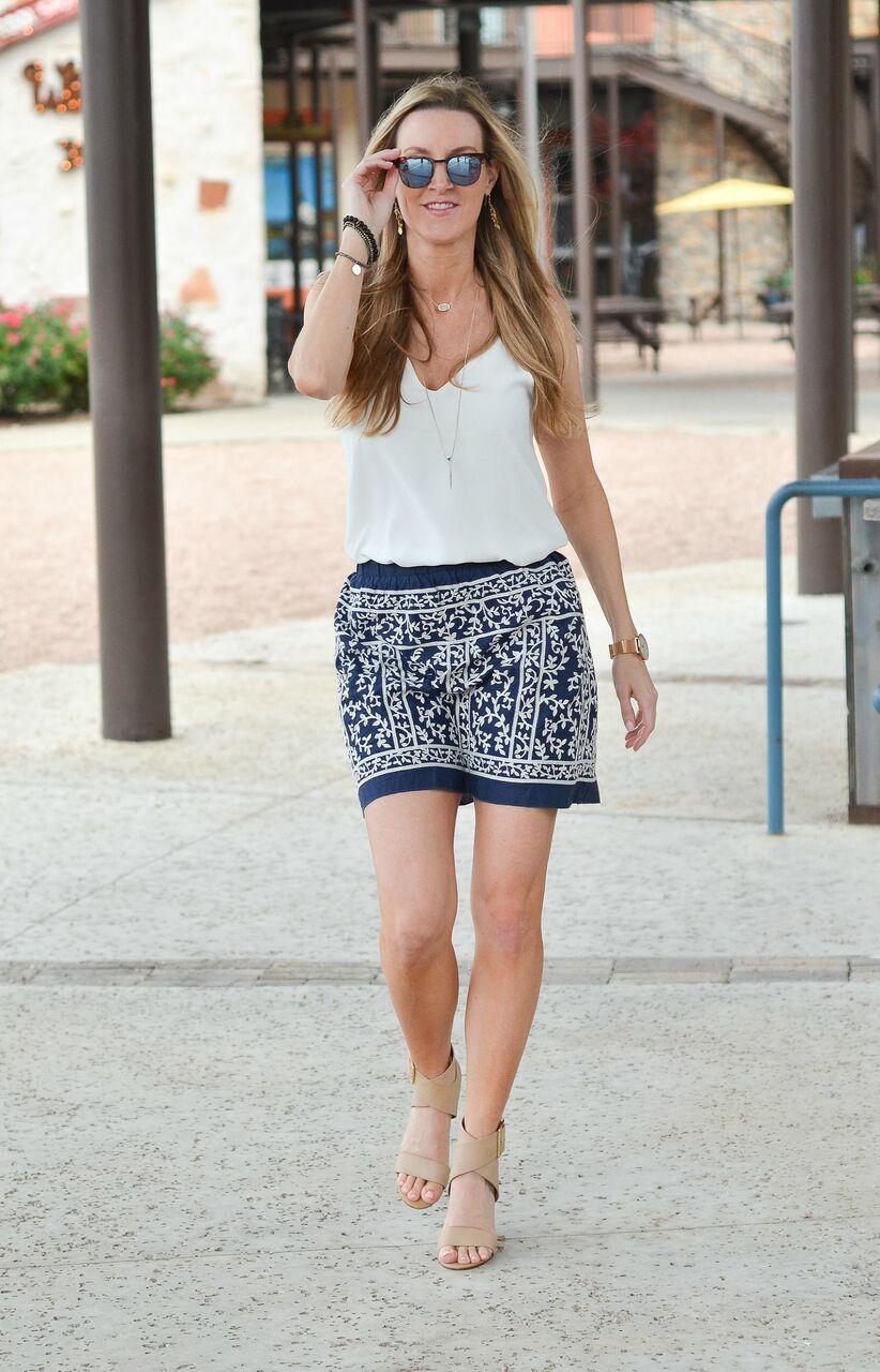 Blue-skirt-white-top