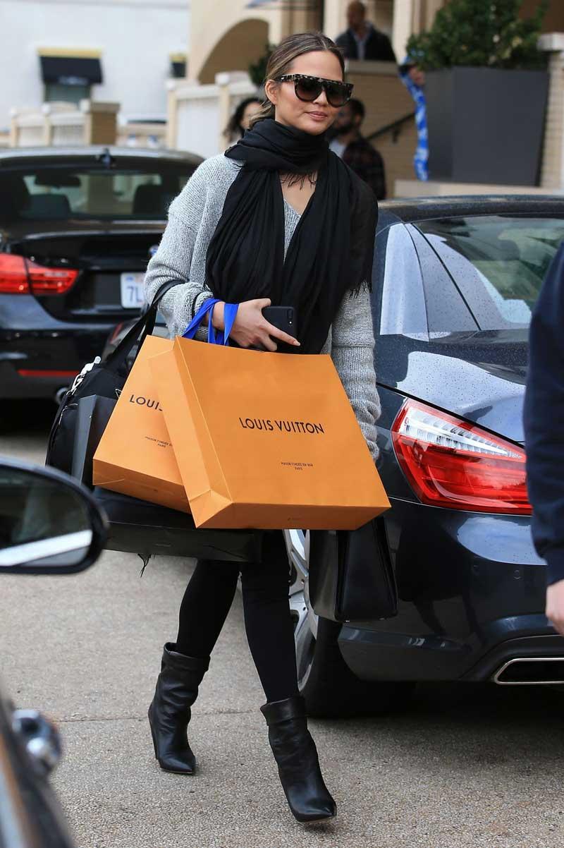 celebrities Christmas Shopping