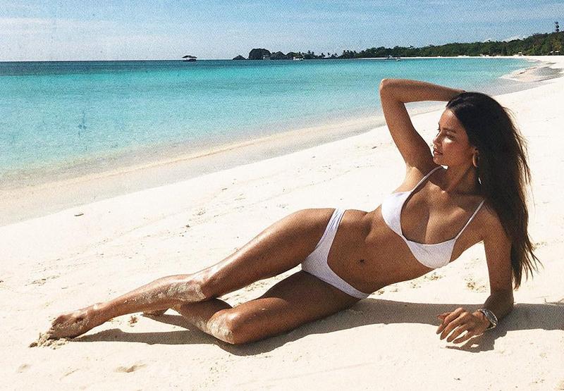 How To Take Killer Instagram Swimsuit Photos