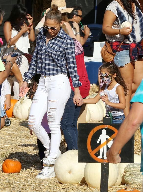 Jennifer Lopez Pumpkin Patch Style