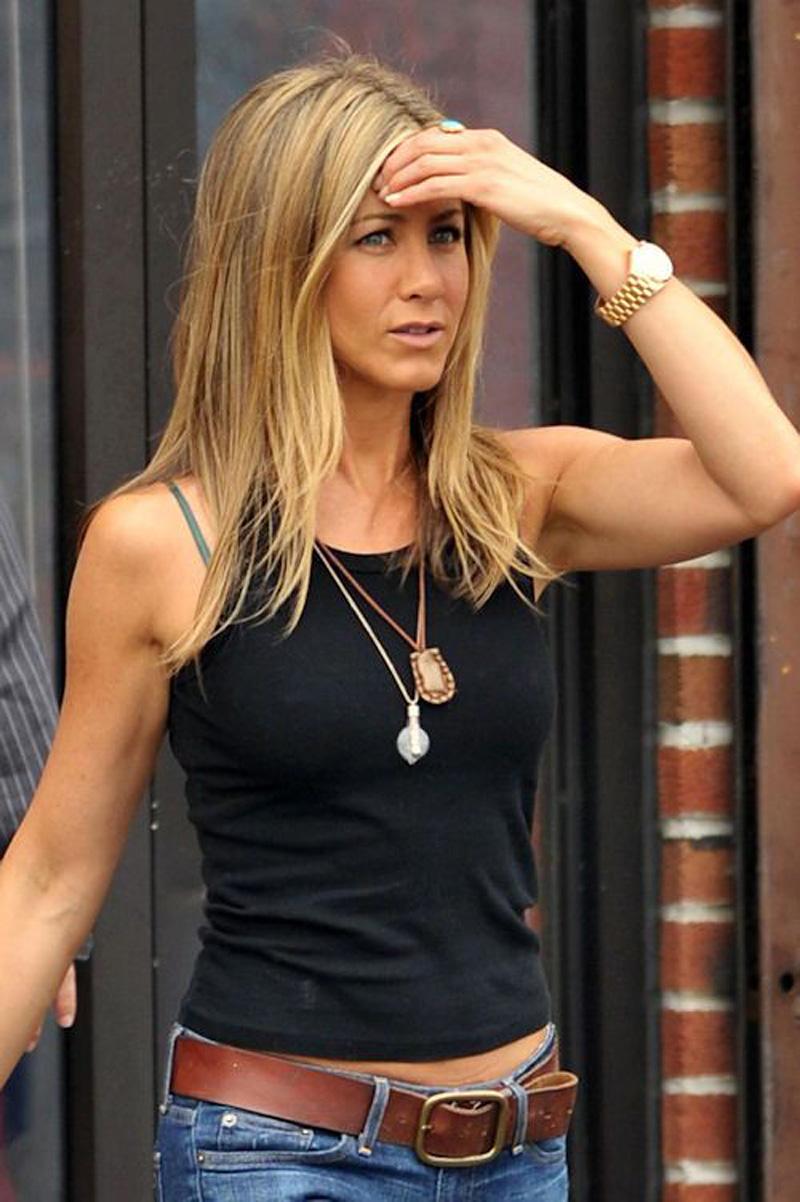Jennifer-aniston-james-perse-tank-top