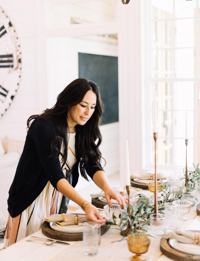 Here's How Joanna Gaines Sets Her Thanksgiving Table