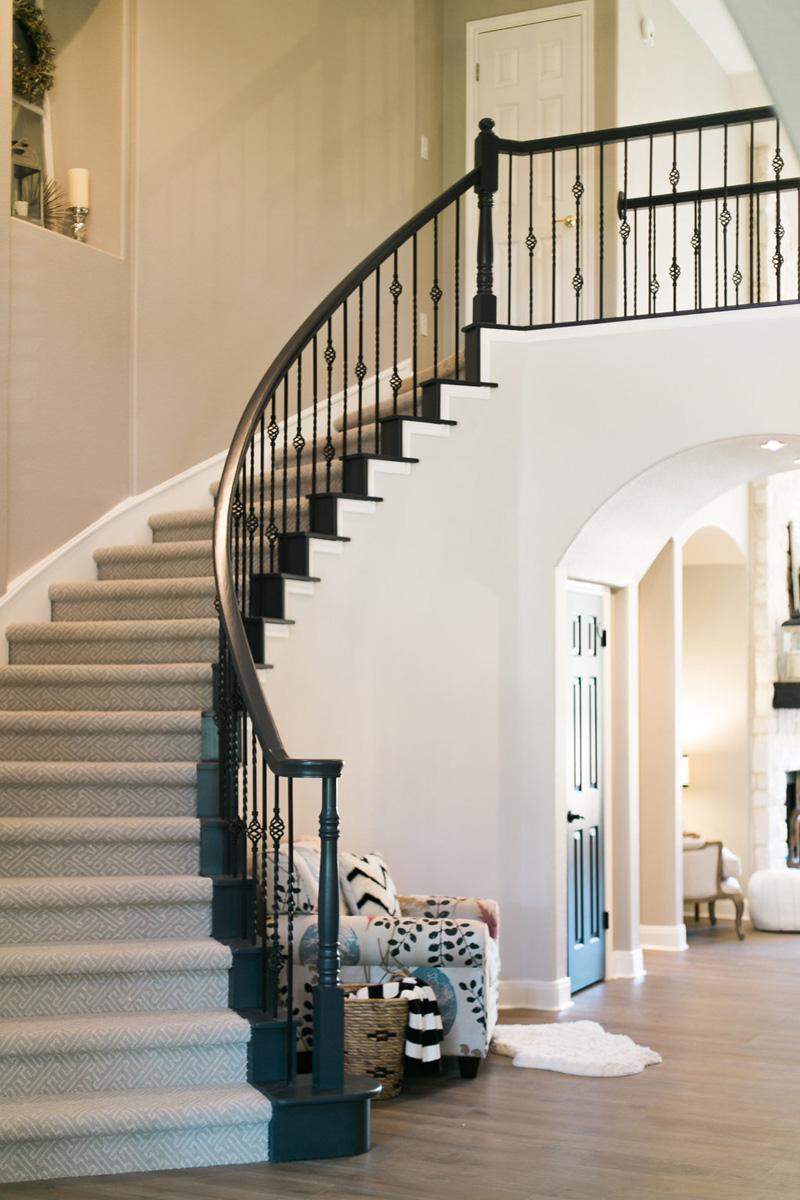 mohawk-flooring-entryway-stairs