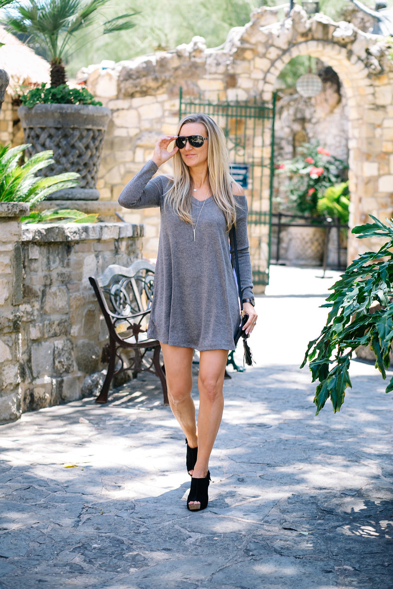 Nsale-Celebrity-style-Guide-EVERLY-Cold-Shoulder-Swing-Dress