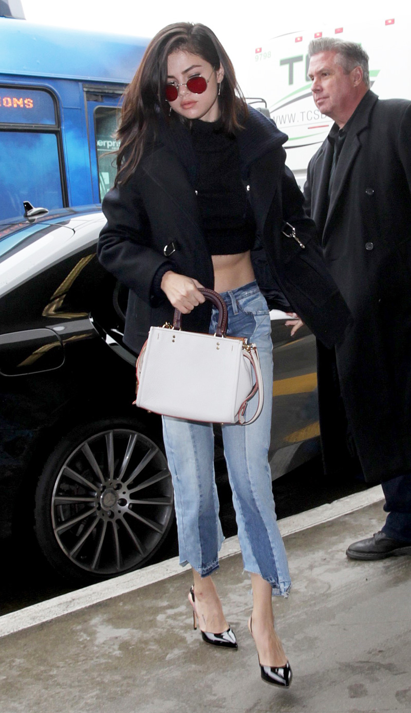 Selena-gomez-Frame-Mix-Cropped-Jeans-in-Mix-and-Match