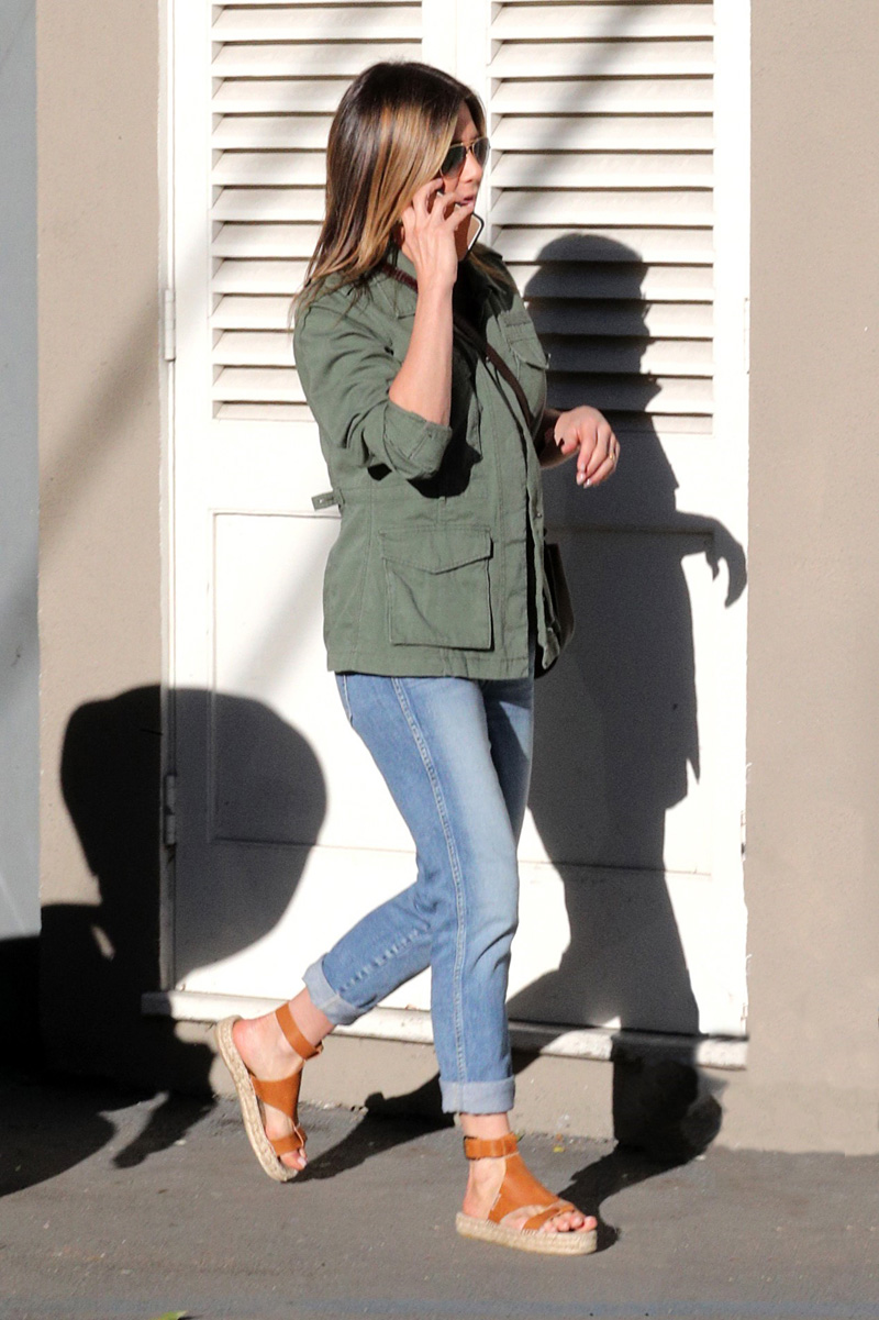 Soludos-Banded-Shield-Leather-Espadrille-Sandals-worn-by-jennifer-aniston