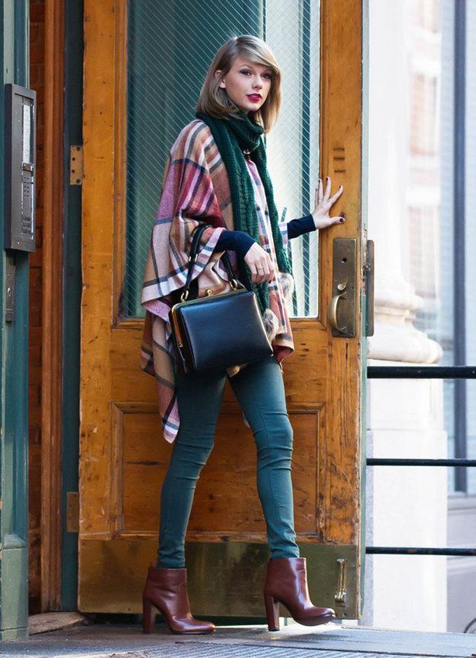 Taylor-swift-poncho