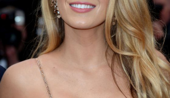 Blake Lively Posted A Pic Of Her Makeup Stash