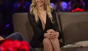 Corinne Olympios Takes The Plunge On The Bachelor The 'Women Tell All'