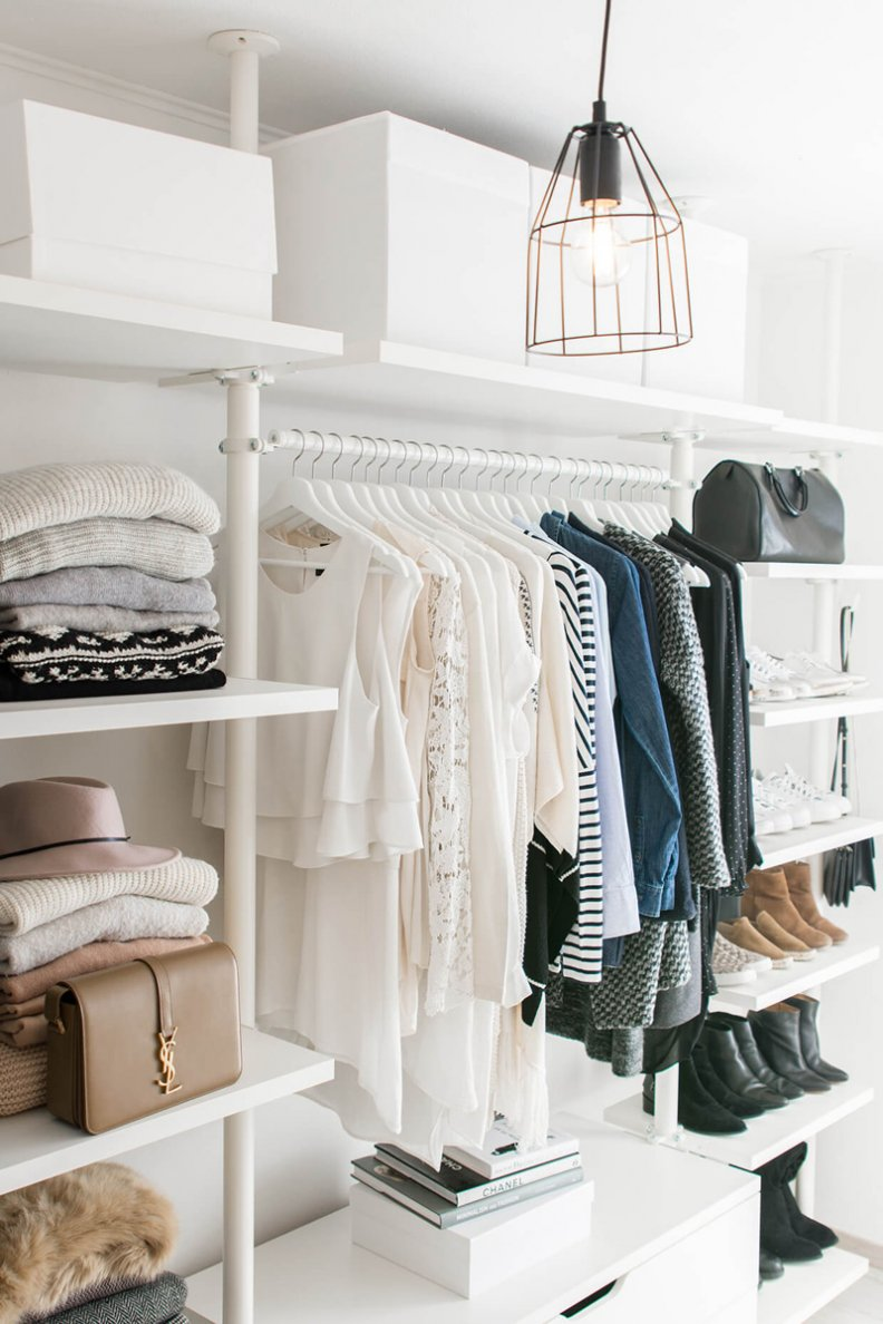 A Cheat Sheet to Cleaning out Your Closet