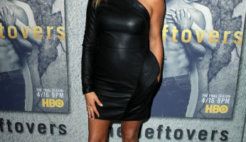 Jennifer Aniston Has A Drop The Mic Red Carpet Moment In Leather Mini Dress