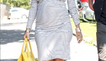 Kourtney Kardashian Stylishly Covers Her Baby Bump In....Horizontal Stripes