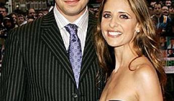Sarah Michelle Gellar & Freddie Prinze Jr. Are Expecting!
