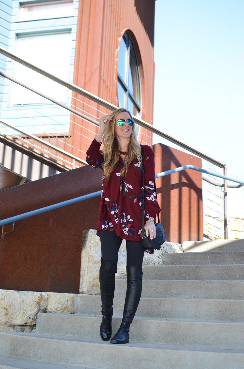 celebrity-Keep-Swinging-Floral-Tunic-in-Wine