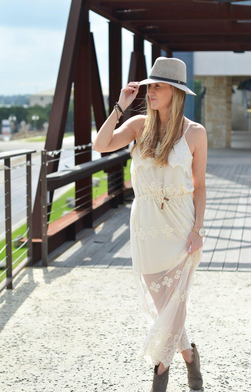 chaer-lace-dress