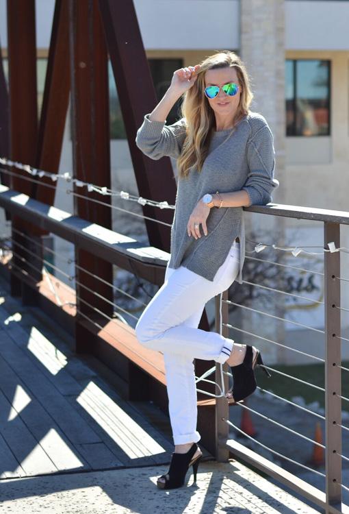 grey-sweater-bridge