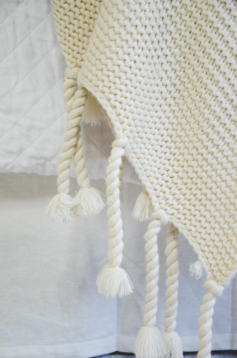pompomathome-trestles-blanket-tassles_FINAL