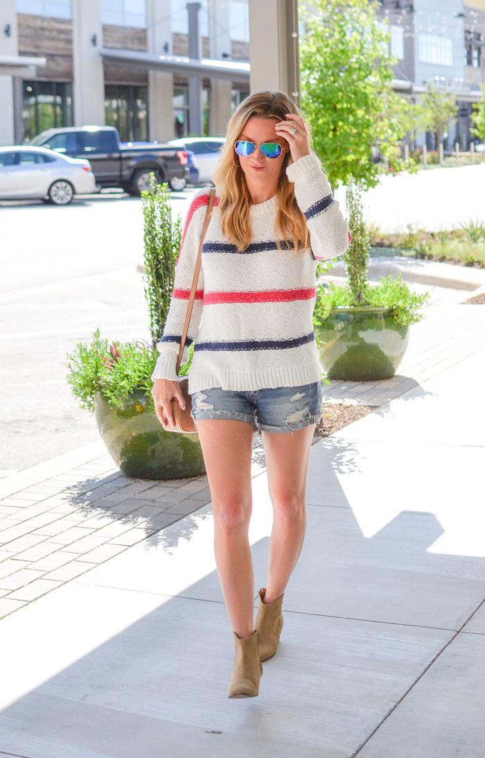 wearing-sweaters-in-summer